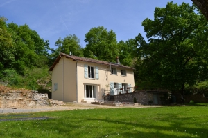 3 Bedroom House In Very Good Condition - Close To The Charente River