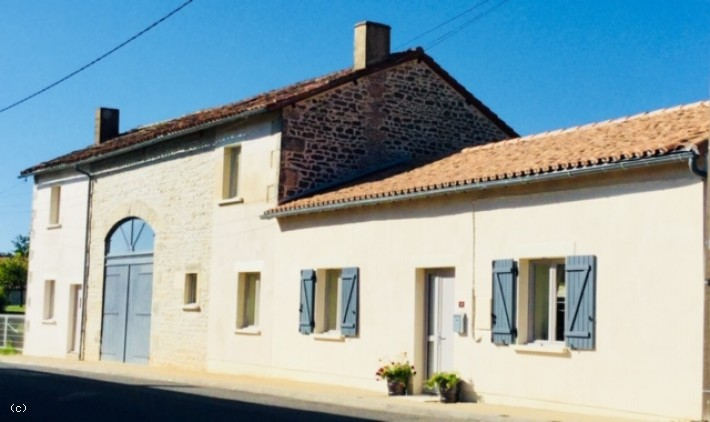 Beautifully Renovated Stone House with Gite and Pool