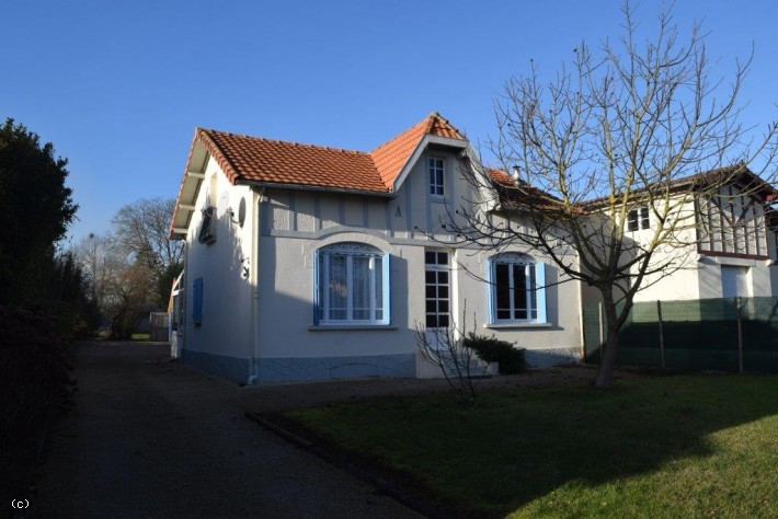 Bungalow with Garden, Garage and Three Bedrooms