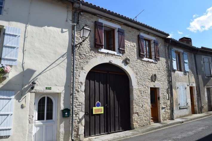 Village House with Two Bedrooms and Garden in Verteuil Sur Charente