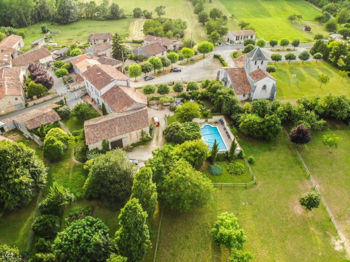Beautiful Stone House with B&B / Gite, Swimming Pool And Equestrian Facilities