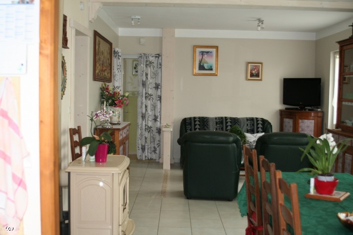 4 Bedrooom House Close To Ruffec In Perfect Order With Enclosed Gardens