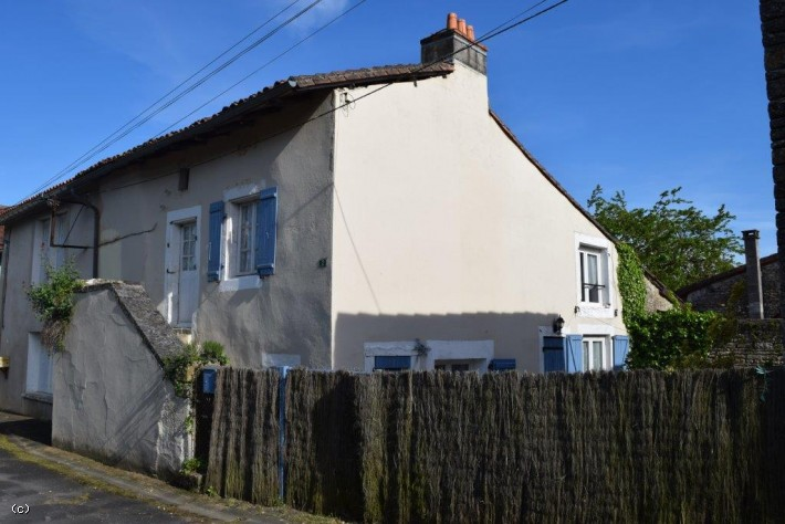 Village House in Verteuil Sur Charente
