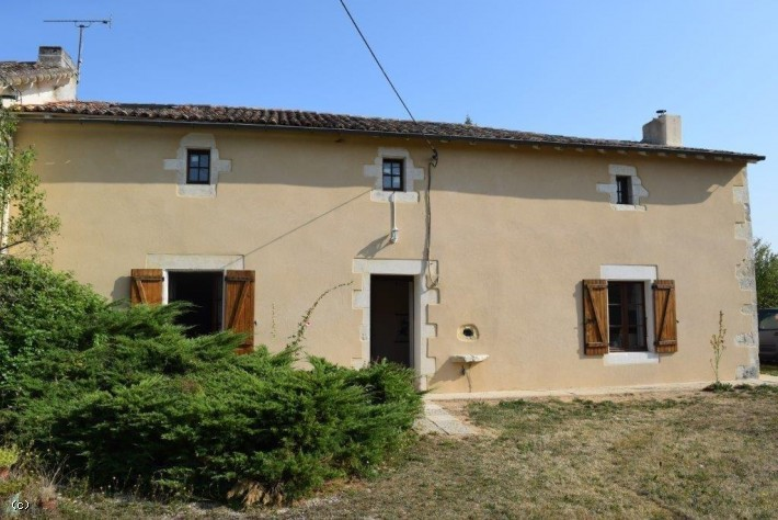Stone House with Two Bedrooms Close to Sauzé Vaussais