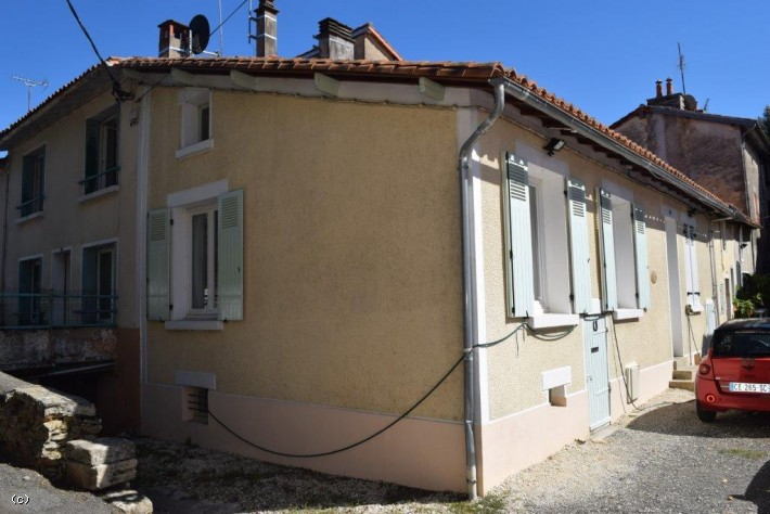 House in Ruffec with 2 Bedrooms