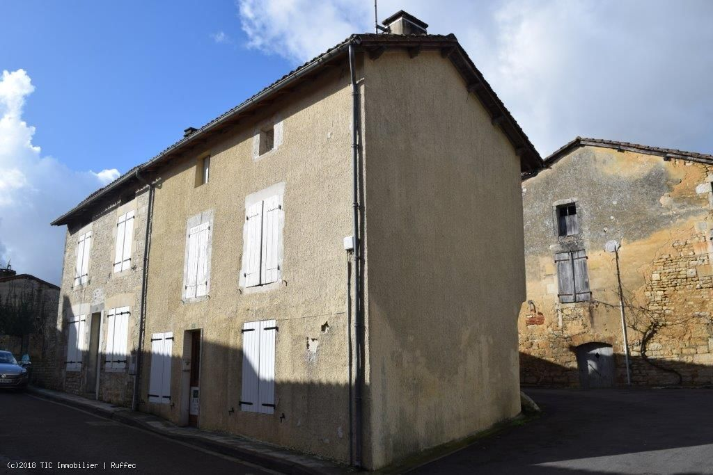 Old 3 Bedroom Stone House For Sale In Verteuil-Sur-Charente