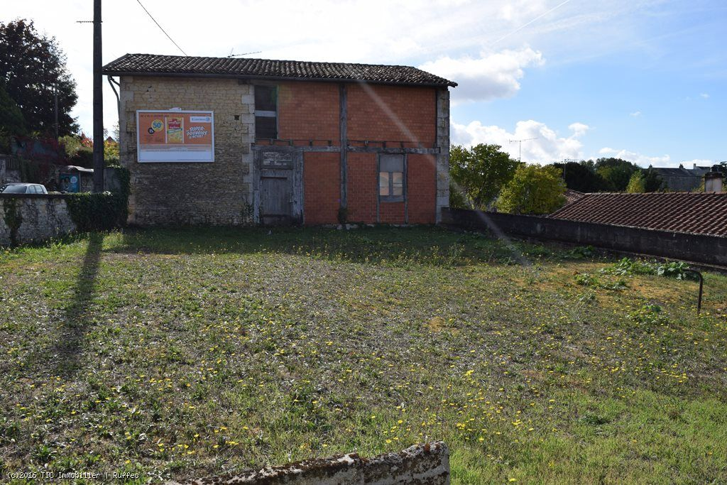 Town Centre Building Plot With Large Garage in Ruffec