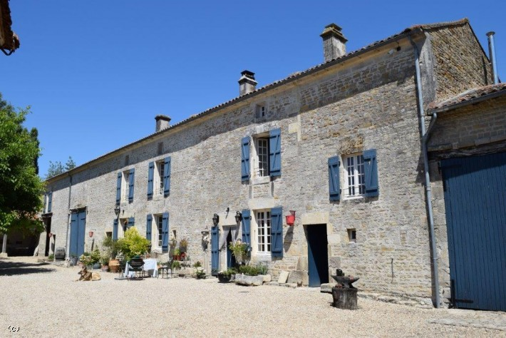 Magnificent Renovated Old Farm With Outbuildings On 1 Hectare. Village Location