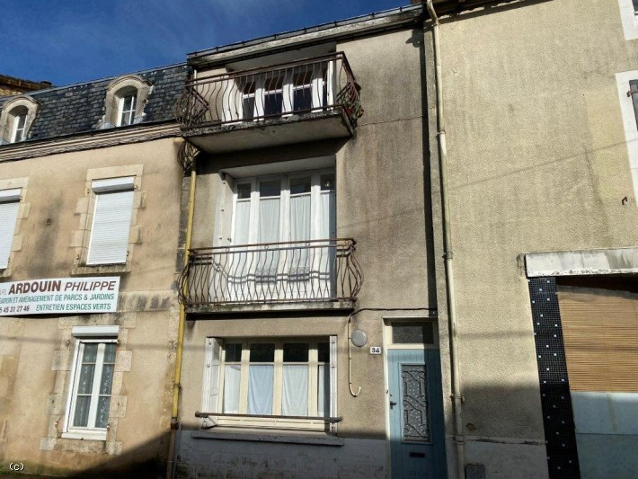 Traditional Charente Stone Town House 3 Bedrooms - In Ruffec