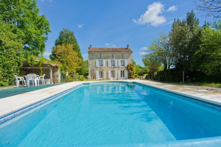 Masters-Style Property With A Pool, Large Garden, Land and Woodland